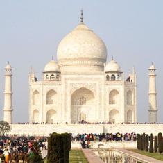 ताज महल में बाहरी लोगों के नमाज पढ़ने पर प्रतिबंध जारी रहने सहित दिन के बड़े समाचार