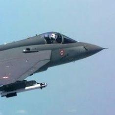 लड़ाकू विमानों की कमी से जूझ रही वायु सेना 324 तेजस अपने बेड़े में शामिल करने को तैयार
