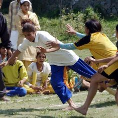 कश्मीर की ये आज़ाद खयाल लड़कियां आपके कई भ्रमों को चूर-चूर कर देती हैं