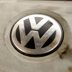 Volkswagen to buy back or fix 80,000 diesel cars affected by emissions scandal for $1-billion