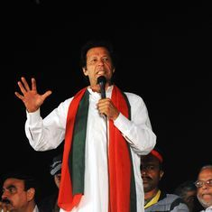 After threatening Nawaz Sharif by working out, Imran Khan does pushups for Islamabad lock-down