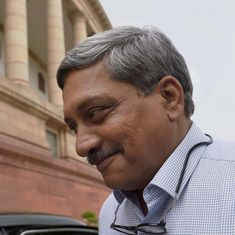 गोवा से दिल्ली आते ही मनोहर पर्रिकर एक 'बड़बोले' नेता में तब्दील कैसे हो गए?