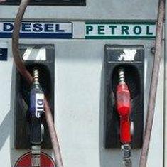 मोदी सरकार में पेट्रोल और डीजल की कीमतें सबसे ऊंचे स्तर पर पहुंचने सहित दिन के बड़े समाचार