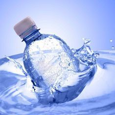 बड़ी-बड़ी कंपनियों के बोतलबंद पानी में प्लास्टिक के हजारों बारीक कण मिले : रिपोर्ट