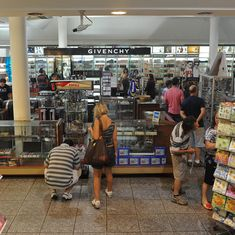 Purchasing limit at airport duty-free shops increased by five times, is now Rs 25,000