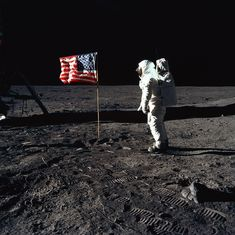 अपोलो 11 मून मिशन : एक राजनीतिक मिशन जिसने अमेरिका को अंतरिक्ष विज्ञान का सिरमौर बना दिया