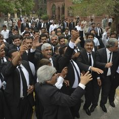 Pakistan lawyers go on strike to protest against Quetta suicide attack