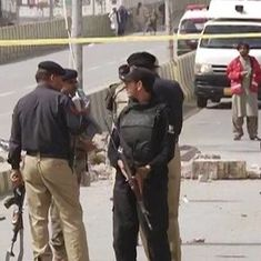 At least 10 injured after blast targets security vehicle in Quetta