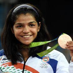 साक्षी, सिंधू, दीपा, तुम्हारे लिए हम सिर्फ गर्व ही कर सकते हैं!