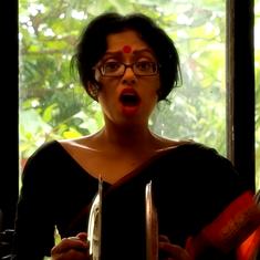 After machher jhol, Sawan Dutta is back having fun with Bengali food. This time, it's kosha mangsho