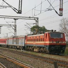 केंद्र ने रेलवे ट्रैक के विद्युतीकरण की रफ्तार कई गुना बढ़ाने का फैसला किया