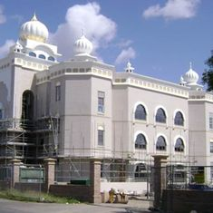 55 arrested as Sikh group forcibly enters UK gurdwara where mixed-faith wedding was to take place