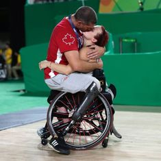 The private moment between two Canadian Paralympians is the most beautiful photo you will see today