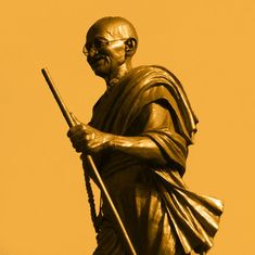 जिस अफ्रीका ने गांधी को महात्मा बनाया वहां उन्हें असंत कहने वालों की संख्या बढ़ क्यों रही है?