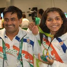 Sakshi Malik's coach claims that he still hasn't received any cash reward or promotion