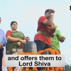Watch: Orissa man breaks 108 coconuts with head, elbow to pray for peace across India