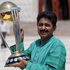 Pakistanis are waiting to give their lives in battle with India, says former cricketer Javed Miandad