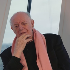 Exit Nobel Laureate Dario Fo (1926-2016), whose plays upset as many people as they delighted