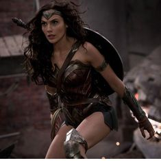 Lebanon bans Wonder Woman because of its Israeli lead Gal Gadot