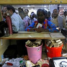 On Day Two of the note ban, banks witness both chaos and co-operation