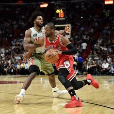 NBA: Dwayne Wade's last-gasp effort takes Chicago Bulls to 98-95 win over Miami Heat