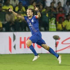 ISL 2016: Diego Forlan hat-trick leads Mumbai City FC to thumping 5-0 win over Kerala Blasters