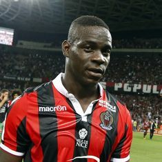 Resurgent striker Mario Balotelli extends Nice stay