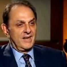 Ousted independent director Nusli Wadia serves defamation notice to Tata Sons