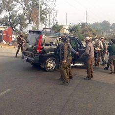 जम्मू-कश्मीर : मंत्री नईम अख्तर के काफिले पर आतंकी हमला, तीन की मौत और 30 लोग घायल