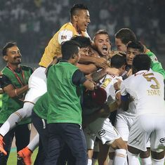 ISL 2016: Inspired NorthEast United beat Delhi Dynamos 2-1 to stay alive in semi-final race