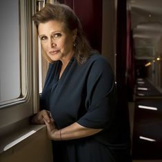 Stars Wars actor Carrie Fisher suffers heart attack during London-LA flight