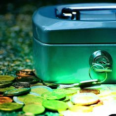 What happens in cashless societies? Five answers from science fiction