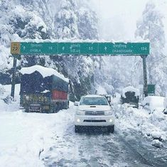 North India whiteout: Snowfall in Kashmir and Himachal Pradesh causes jubilation – and traffic chaos