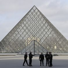 Paris: Soldier shoots machete-wielding man at Louvre, museum evacuated