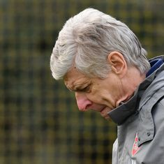 Arsene Wenger needs to realise there is no dignity in this exit