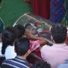 Kansas shooting: Hundreds gather as Srinivas Kuchibhotla is cremated in Hyderabad