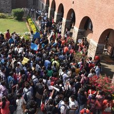 DU likely to start course on how to write FB posts, blogs for English literature students