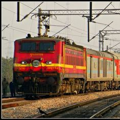 Mumbai-Delhi Rajdhani Express: 25 passengers robbed of valuables worth lakhs