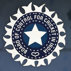 Supreme Court issues stern warning to top BCCI officials on draft constitution
