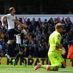 Harry Kane starts and scores as Tottenham come within four points of leaders Chelsea