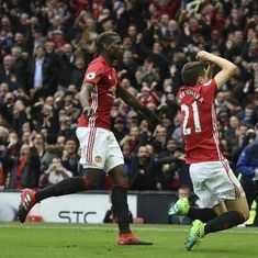 Efficient Manchester United beat Chelsea by two goals at Old Trafford
