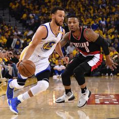 Golden State Warriors beat Portland Trail Blazers 121-109 with late surge