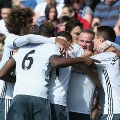 Wayne Rooney scores on return as Manchester United beat Burnley 2-0