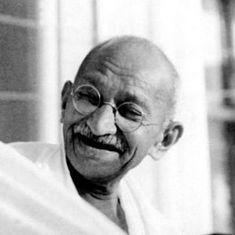 गांधी जी की आलोचना में दिक्कत नहीं है, बिना सोची-समझी निंदा में है