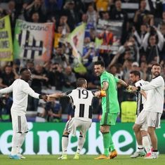 Dani Alves sends ruthless Juventus into final of Champions League