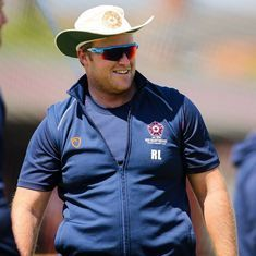 South Africa's Richard Levi taken to hospital after being hit on the head by ball