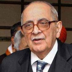 CBI raids on NDTV should worry us all, Fali Nariman tells journalists gathered at Delhi Press Club