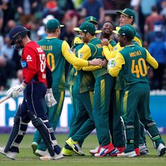 South Africa win second T20 match in thrilling fashion to tie series against England