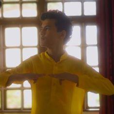आमद : कौन सही और कौन गलत के जवाब से परे भी ऐसा कुछ हो सकता है जो दिल को छू जाए