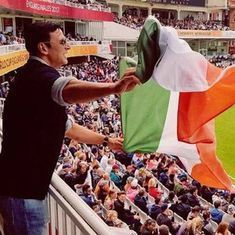 Akshay Kumar apologises for waving Indian flag upside down at Women's World Cup